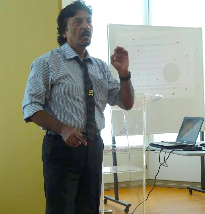 Dr. Rajeev Khaja engaging the audience during his presentation