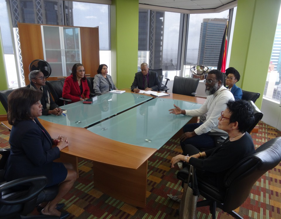 Trade & Industry Minister in discussions with fashion industry stakeholders